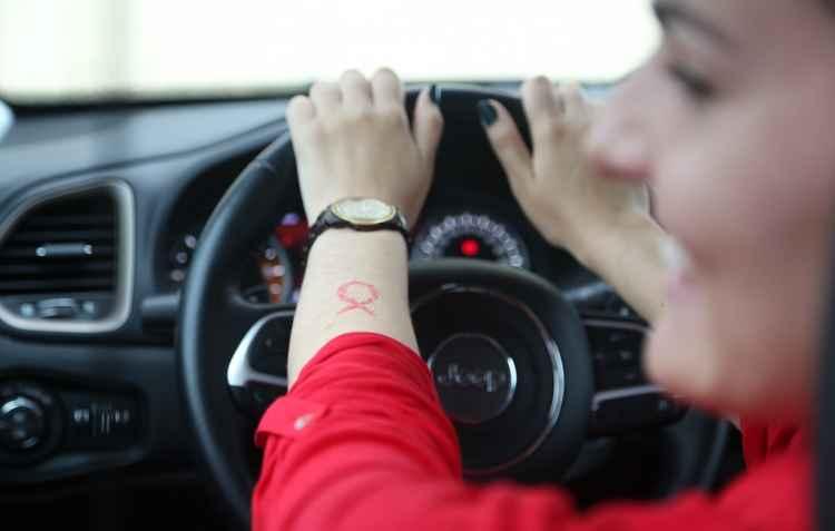 Mulheres que já enfrentaram o câncer de mama seguem vida normal e, inclusive, são motoristas que pedem mais respeito e suavidade no trânsito - Hesiodo Goes / DP