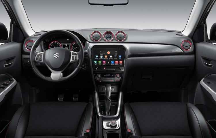 De série o Vitara vem com airbag duplo frontal, piloto automático, banco do motorista com regulagem de altura, ar-condicionado - Suzuki / Divulgação