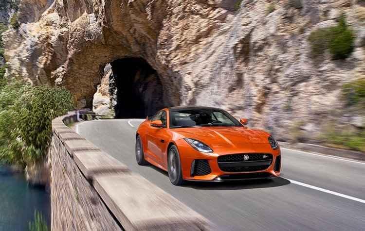 Novidade possui um propulsor 5.0 V8 Supercharged responsável por entregar 575 cavalos de potência - Jaguar / Divulgação