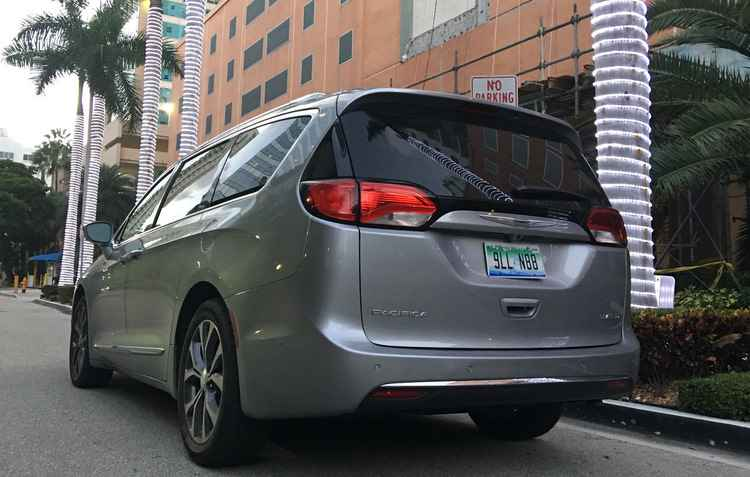 Com o Pentastar V6, de 3,6 litros e 291 cv e transmissão automática de oito marchas - Jorge Moraes/Esp DP