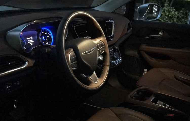 Fácil de conduzir, suave e de rodagem justa porque a suspensão independente entrega conforto.  - Jorge Moraes/Esp DP