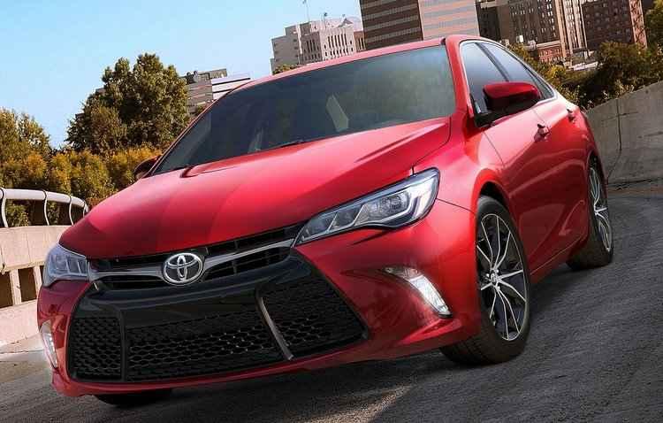 Camry continua com presença no mercado australiano, mas com importação do Japão - Toyota/Divulgação