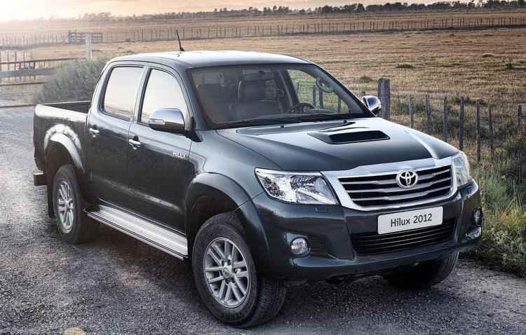 Hilux, produzida entre 2011 e 2014, é um dos modelos convocados  - Toyota/Divulgação