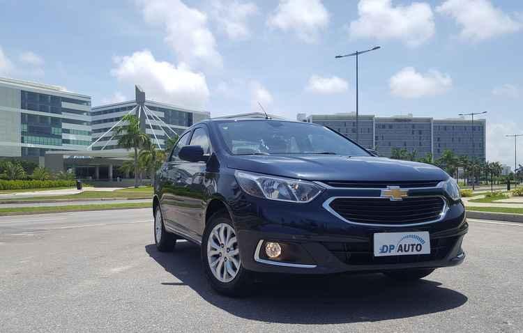 A Chevrolet não economizou no uso de molduras cromadas na dianteira do Cobalt Elite, mas tudo na medida certa, sem exageros - Bruno Vasconcelos/DP