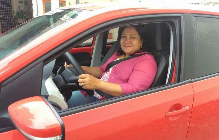 Rosa Pontual, 55, precisou dormir com o auxílio de um aparelho para voltar a dirigir normalmente - Carmelo Junior/Divulgação