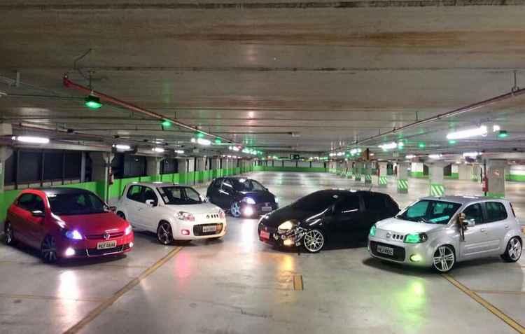 Evento conta com exposição de mais de cem carros personalizados - Dia de Role/Divulgacao