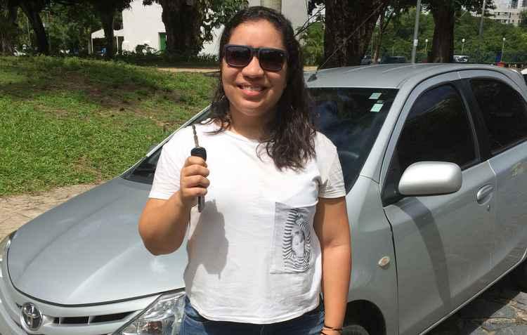 %u201CEstava estressada e apressada, quando tentei abrir a porta do carro acabei entortando a chave. A minha sorte foi um chaveiro que estava no mesmo lugar que eu%u201D, afirma Mariama Moura - Gabriela Bento/Esp. DP