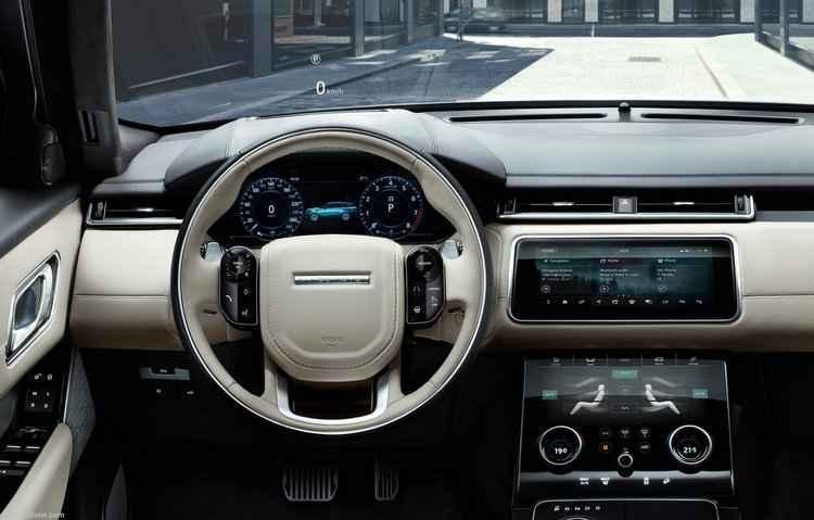 Dentro da cabine está disponível um painel touchscreen, praticamente sem botões - Land Rover / Divulgação