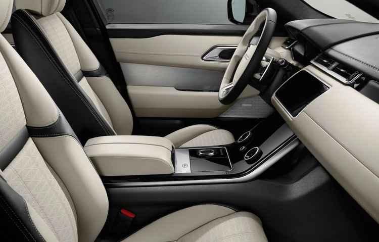 No quesito conforto a Land Rover apostou em mais de 20 opções de ajustes elétricos para os bancos dianteiros com funções de massagem - Land Rover / Divulgação