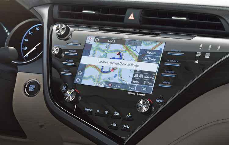 Sistema informa sobre sinalização, junções e faixas - Toyota/Divulgação