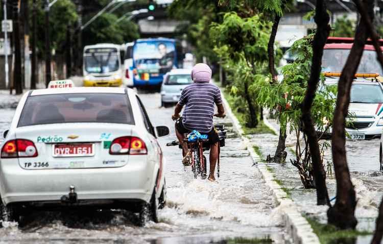 Checar a vedação do veículo é essencial para evitar problemas elétricos e acúmulo de mofo no estofado.  - Paulo Paiva/ DP