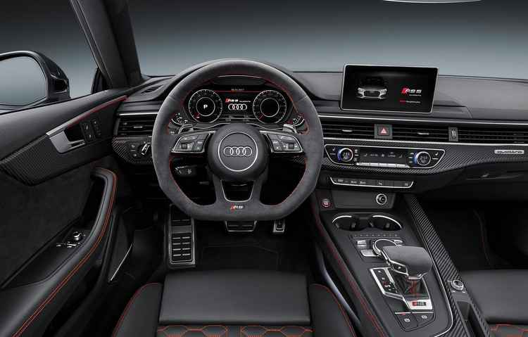 Bancos são diferenciados, além da semi-concha e do ar-condicionado de duas zonas - Audi/Divulgação