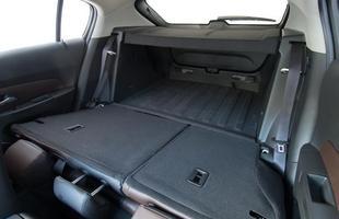 Carro chega com as opções hatch e sedã