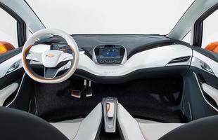 Chevrolet apresentou para a imprensa o conceito elétrico Bolt EV no Salão de Detroit