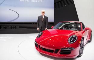 Porsche 911 Targa 4 GTS: Para comemorar os 50 anos do 911 Targa, a Porsche traz o modelo na versão GTS. Em 4,3 segundos vai de 0 a 100 km/h, atingindo a velocidade máxima de 300 km/h com transmissão PDK. A novidade deve ser lançada na América Latina e no Caribe em abril de 2015.