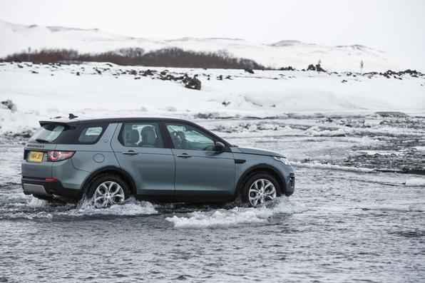 Land Rover lança Discovery Sport na Islândia