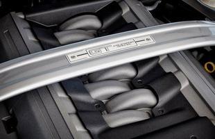 Completamente atualizado em 2013, o muscle car traz de diferente apenas alguns pacotes e opcionais