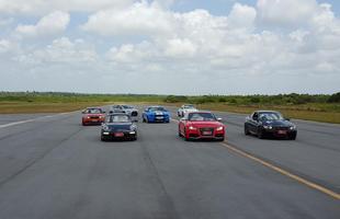 Mais de quarenta veículos participaram do evento, dentre eles, Audi RS5, Mercedes AMG SLK, Aston Martin Vantage e Mustang Shelby.