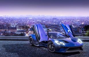 O GT foi composto a partir de materiais leves, como fibra de carbono e alumínio, que permitiram melhoras na aceleração e no manuseio do carro
