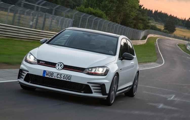 Visual também ganhou toques de esportividade com duplas saídas de escape  - Volkswagen/ Divulgação