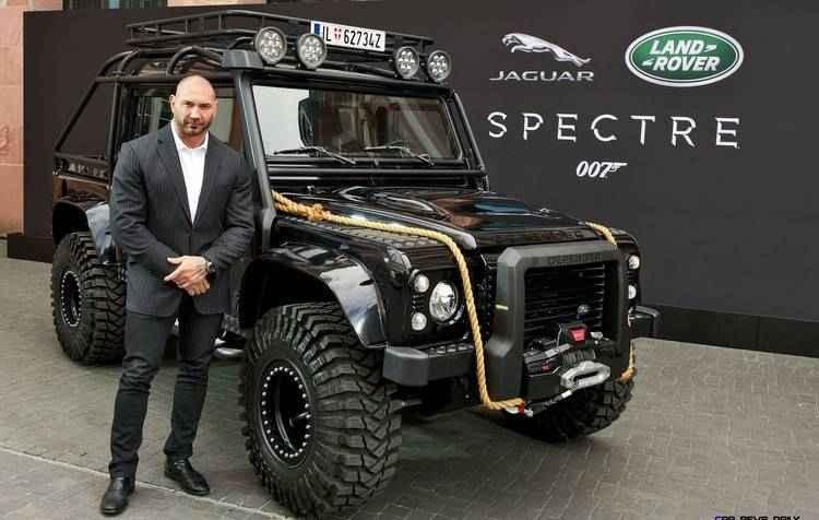 O Land Rover Defenders foi modificado para atender às cenas do longa-metragem  - Jaguar / Divulgação