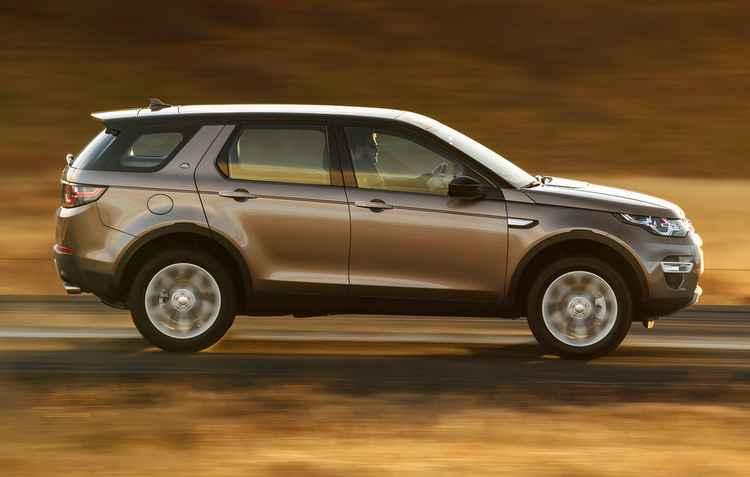 Carro cabe até sete pessoas (na configuração de assento 5   2) - Land Rover/ Divulgação
