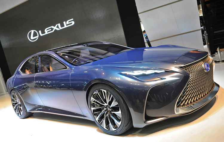 Lexus LF-FC - ZbigniewMazar/ divulgacao
