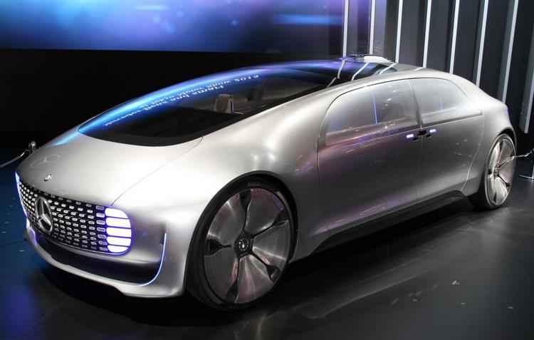 Grade dianteira projeta cores de acordo som emitido na cabine  - Mercedes/divulgação