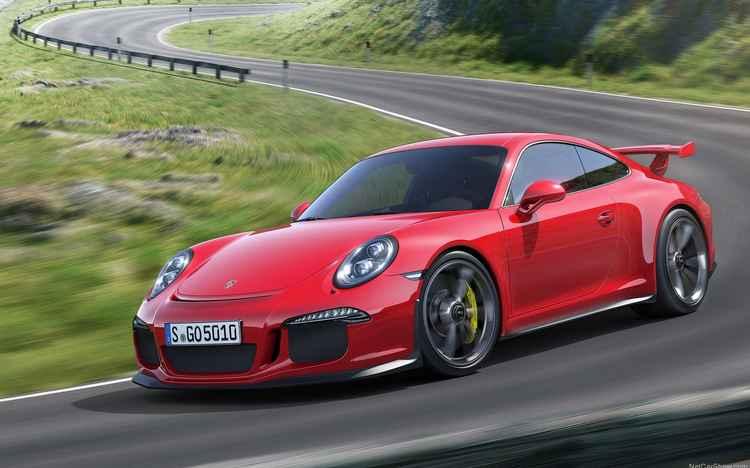 Porsche supera expectativa de vendas em 2015