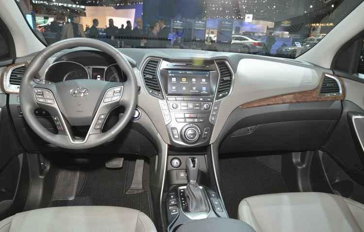 O utilitário tem como item de série a central multimídia compatível com o aplicativo Android Auto   - Hyundai / Divulgação