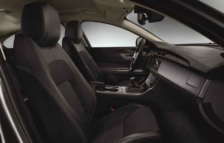 Entre entre-eixos aumentou 6 cm e melhorou espaço dentro da cabine - Jaguar/Divulgação