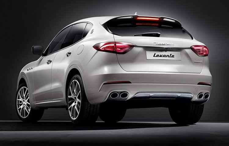 Quatro saídas de escapamento traseira - Maserati / Divulgação
