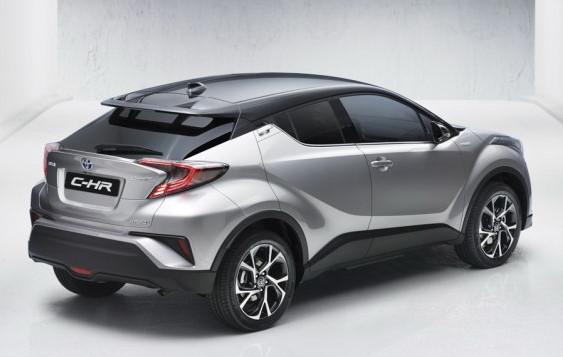 Um dos destaques é a lanterna traseira em forma de bumerangue e efeito 3D - Toyota / Divulgação