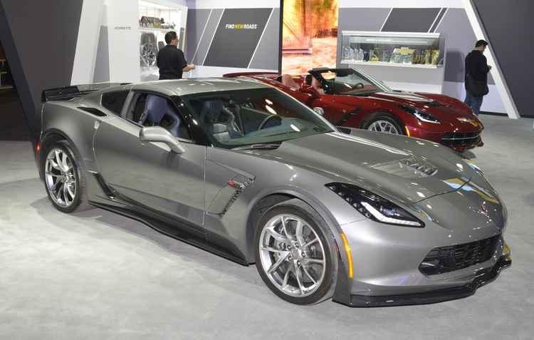 A Chevrolet exibiu o atualizado Corvette com um motor V8 6.2 que é capaz de produzir 650 cavalos - Joint Photographic Experts Group / Divulgacao