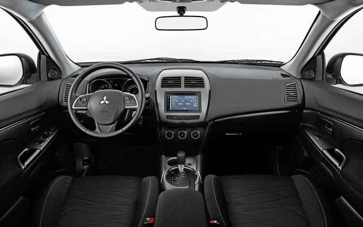 Além do conforto, o ASX vem com sistema multimídia e dois airbargs como itens de série - Mitsubishi / Divulgação