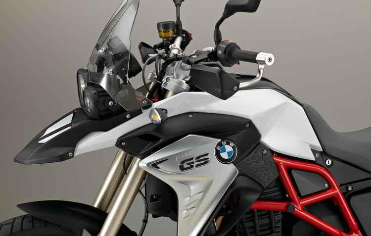 Conjunto mecânico é composto pelo motor de 2 cilindros e quatro válvulas, 798 cilindradas, injeção de combustível e caixa de marchas com 6 velocidades - BMW / Divulgacao