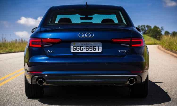 Lanternas ganharam desenho tridimensional e a tampa do porta-malas conta com um discreto difusor - Audi/ divulgação