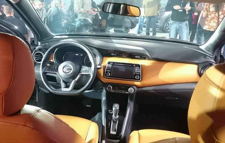 Tela multimídia é inédita nos modelos Nissan - Taciana Góes / Divulgação