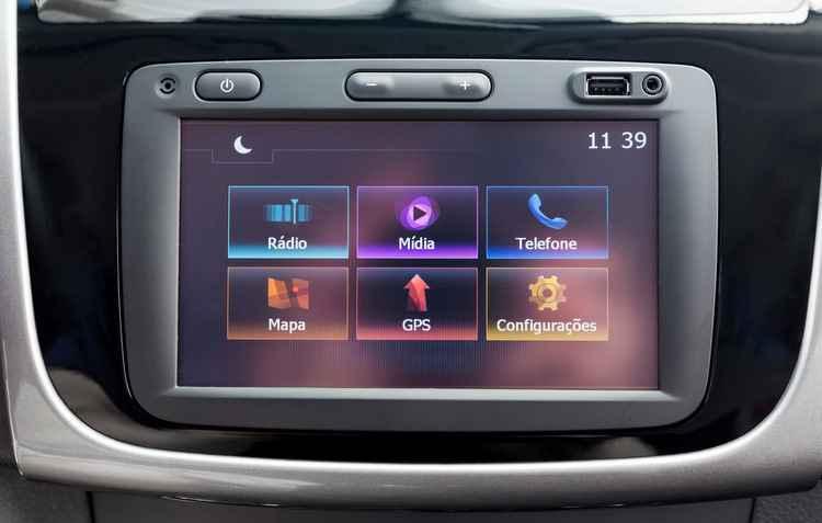 Central multimídia é um sopro de tecnologia nesta versão - Leo Sposito / Renault / Divulgação