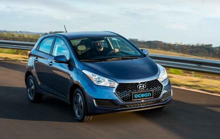 As motorizações são diferenciadas para as versões hatch, com motorização 1.0 ou 1.6, e sedã, apenas 1.6 - Hyundai/Divulgação