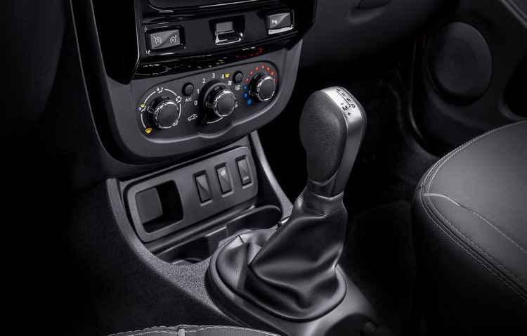 Para o trânsito do dia a dia, transmissão automática atua bem - Rodolfo Buhrer/La Iamgem /Renault