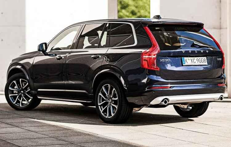 Utilitário sai de fábrica com o sistema que aciona os freios automaticamente - Volvo/Divulgação