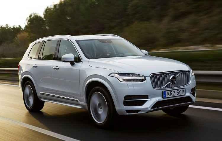 Volvo oferece o D5 em duas opções: Momentum e Inscription  - Volvo/Divulgação