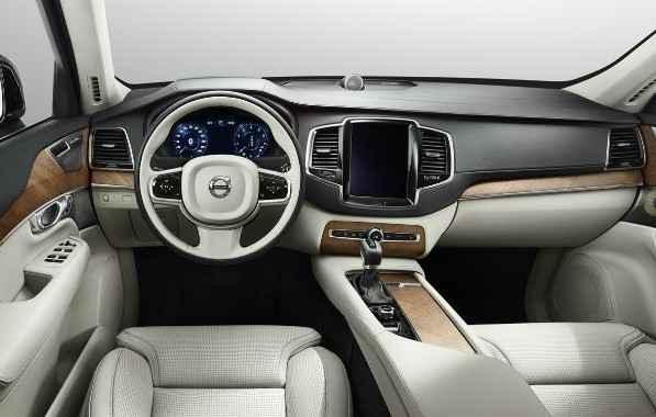 Lista de equipamentos é igual ao modelo movido a gasolina - Volvo/Divulgação