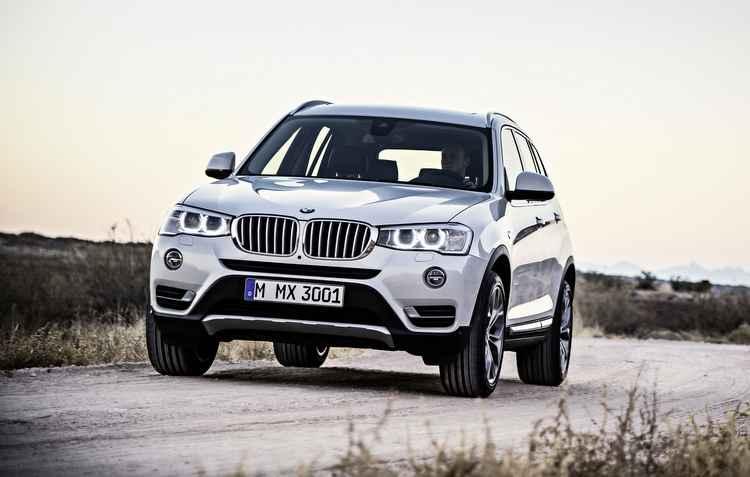 Modelos produzidos entre março e setembro precisam agendar revisão na concessionária - BMW / Divulgação