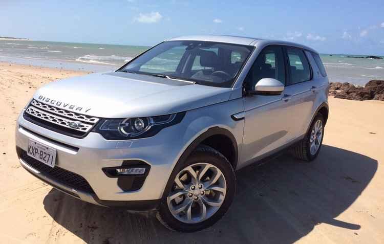 Discovery Sport e Evoque recebem novo motor