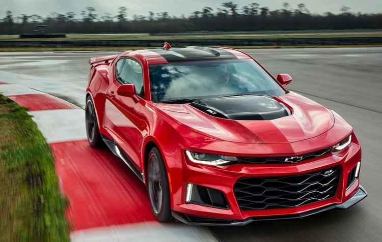 Camaro ZL1 alcança velocidade máxima de 318 km/h