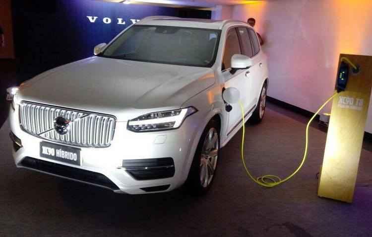 Modelo oferece 407 cv, que garante aceleração de de 0 a 100 km/h em 5,6 segundos -