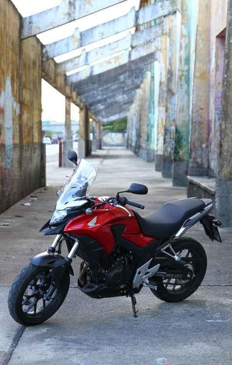 Além de bom desempenho, CB 500X oferece muito estilo - Paulo Paiva/DP