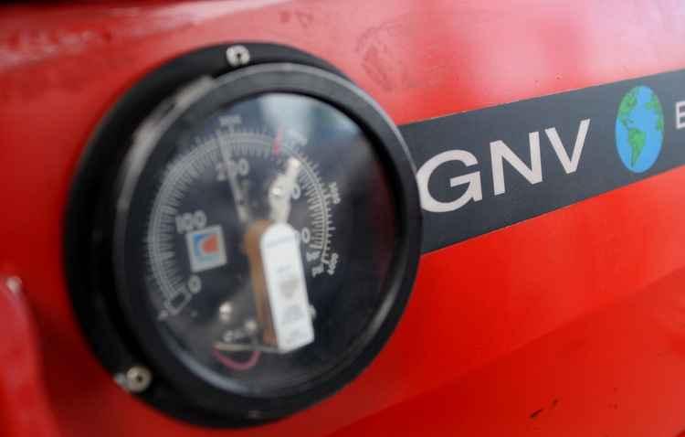 Gás Natural Veicular é um tipo de combustível limpo que possui incentivos do governo - Helder Tavares / DP